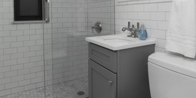 Bathroom 1 Crop 3
