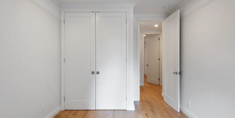 Master Bedroom Closet (2)